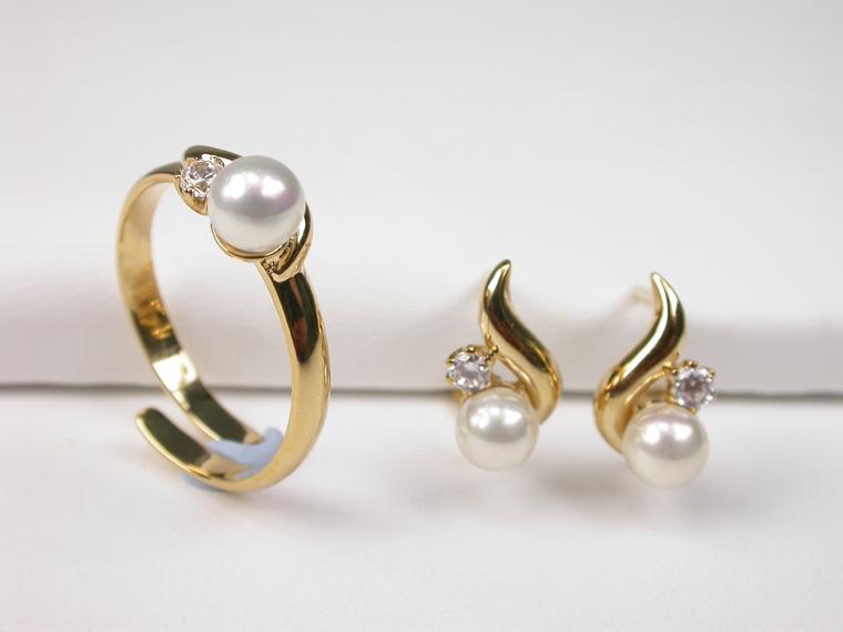 dca86d8e2f71 Conjunto de anillo y pendiente de perlas modernos - Amplia selección ...